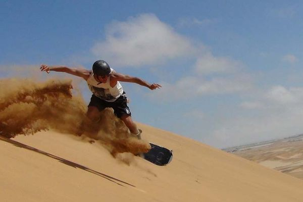 sandboarding-dubai-photo